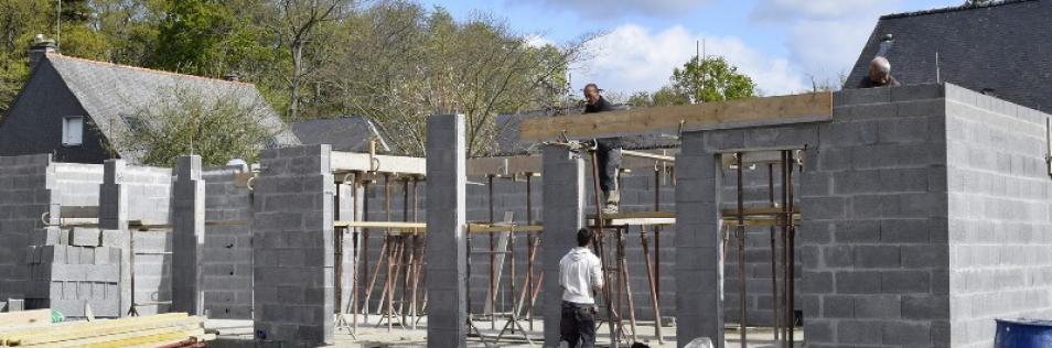 Travaux de construction sur une maison à Caen